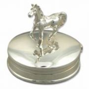 Sterling silver plain oval pill box with Horse 5.52g